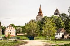Hundertbücheln - Der Dorfanger, das Gemeindehaus und die Kirchenburg